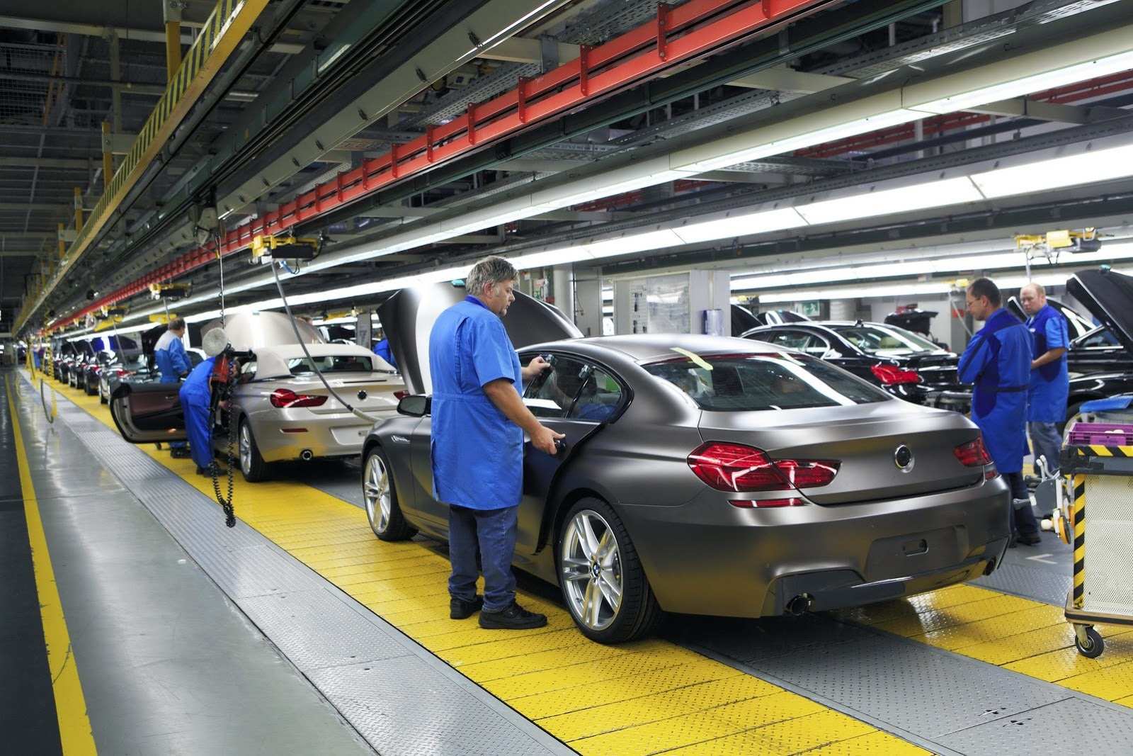 BMW-Production-line-3